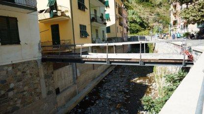cinque terre bridge